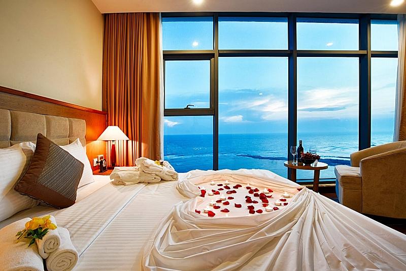 không gian lãng mạn tại khách sạn mường thanh lý sơn