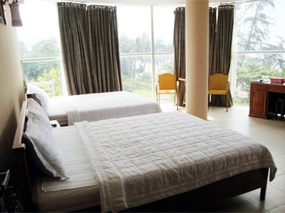 Ý LINH HOTEL